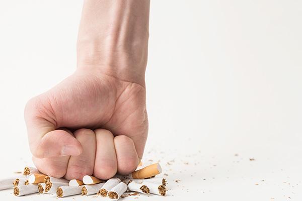 Иглоукалывание против курения: реально работает