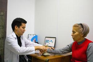 Насколько безопасна иглотерапия?